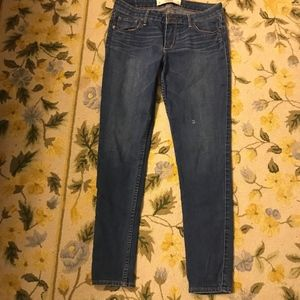 ABERCROBIE AND FITCH SIZE 8R JEANS